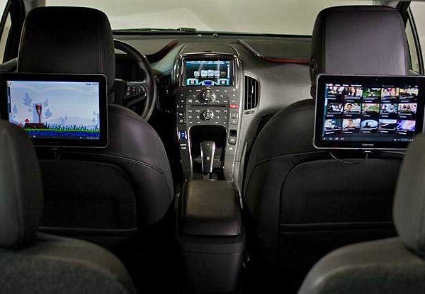 Car Customization For the 21st Century – Mobile Electronics Dealers Offer Much More Than Just Audio
